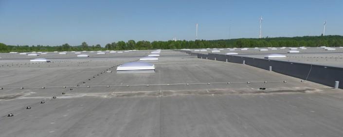 Gutachten Kunststoffbahnen-Abdichtung und Lichtkuppeln auf einem Industriedach